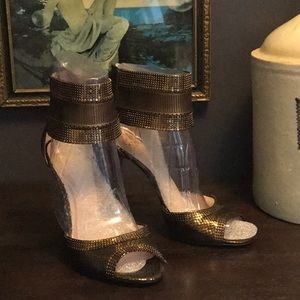 Vince Camuto Latese Bronze 9.5M